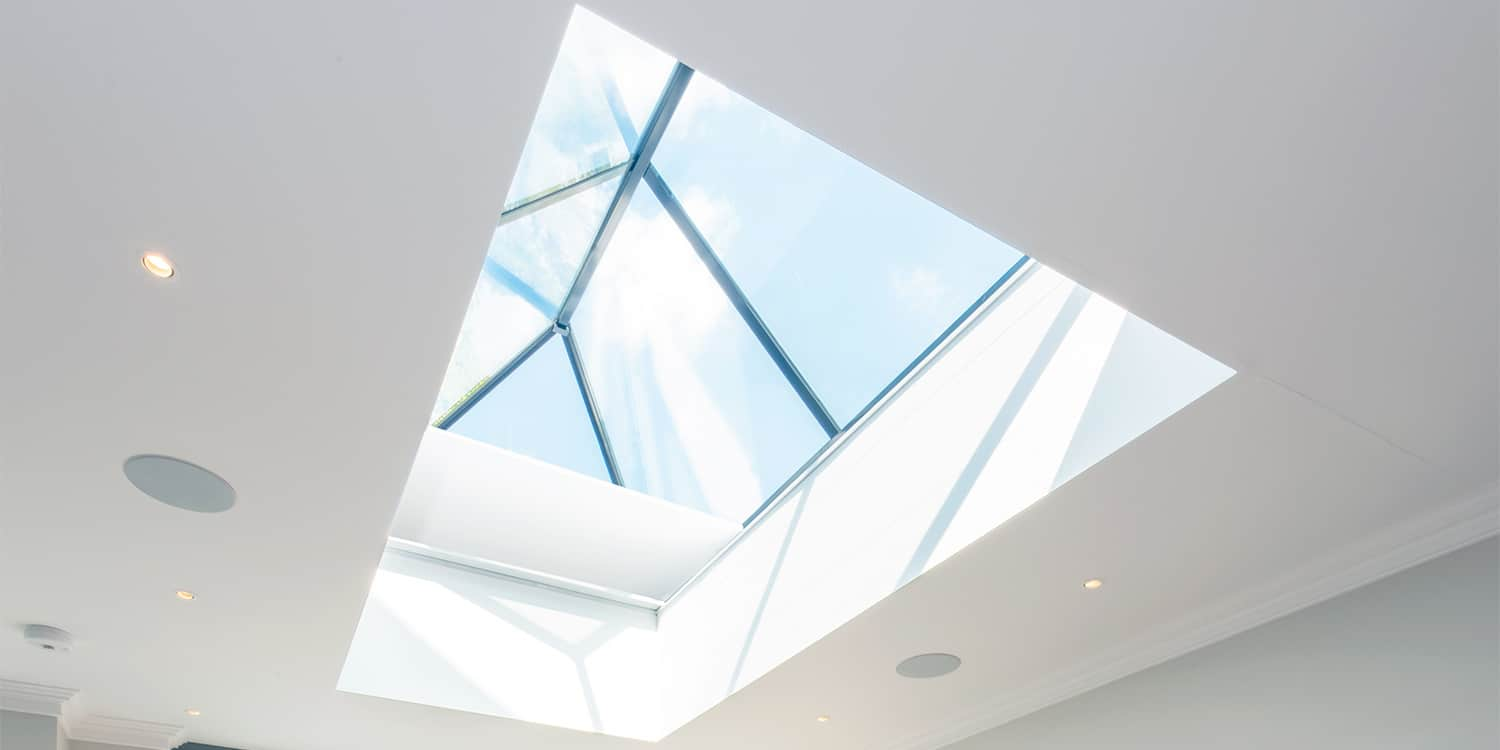 Roof lantern blinds