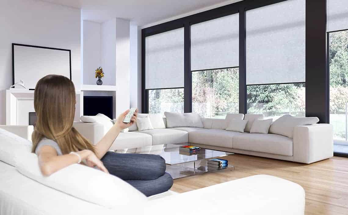 Conservatory side blinds : motorised electric blinds